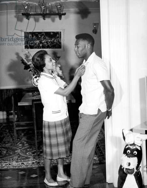 Edson Arantes do Nascimento aka pele, bazilian soccer, here with his mother Celeste Arantes December 17, 1964