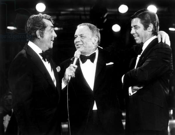 Dean Martin, Franck Sinatra and Jerry Lewis during charity TV Programme in favour of the sick organized by Jerry Lewis May 20, 1976