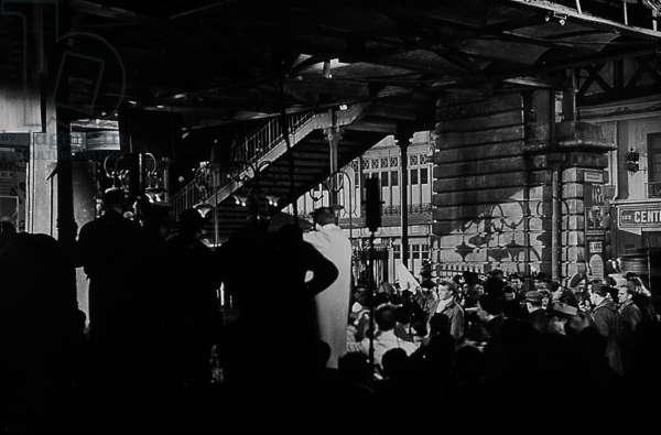 Les portes de la nuit de MarcelCarne avec Pierre Brasseur Serge Reggiani et Yves Montand 1946