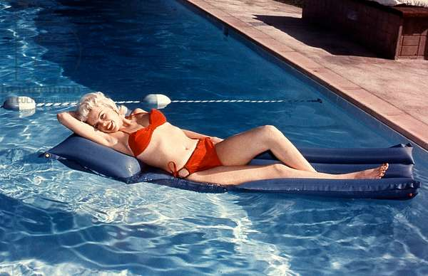 The American Actress Jayne Mansfield (1933-1967) in her swimming pool c. 1950