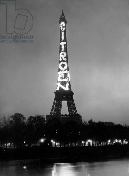 Eiffel tower with letters of Citroen July 1925