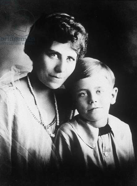 Glenn Ford when 5 with his mother in 1921