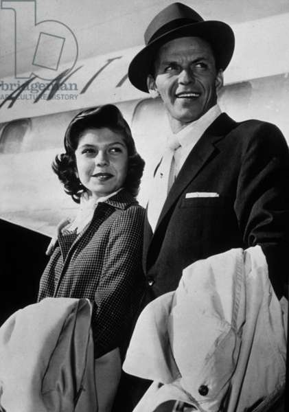Frank Sinatra with his daughter Nancy Sinatra January 1955