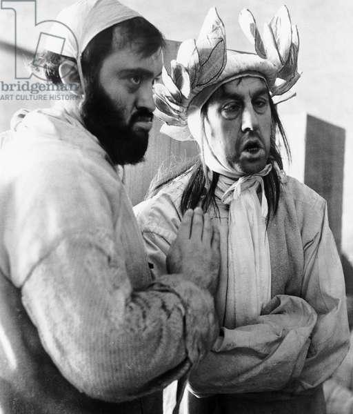 Marat Sade de PeterBrook avec Leon Lissek (g) 1966