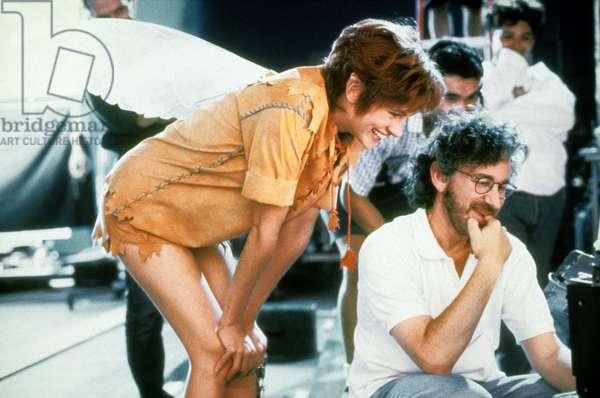 Director Steven Spielberg and Julia Roberts on the shooting of StevenSpielberg's 1991 HOOK