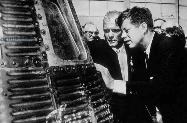 Documentaire Un grand homme passa par notre chemin 1965 John F. Kennedy