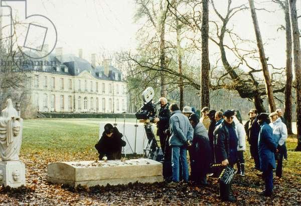 Le realisateur Milos Forman lors du tournage du film Valmont de MilosForman, 1989