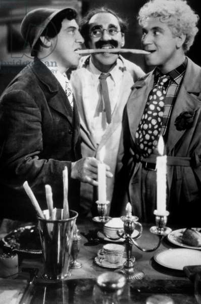 Une Nuit a Casablanca (NIGHT IN CASABLANCA) de Archie Mayo avec Chico Marx, Groucho Marx, Harpo Marx (The Marx Brothers) 1946