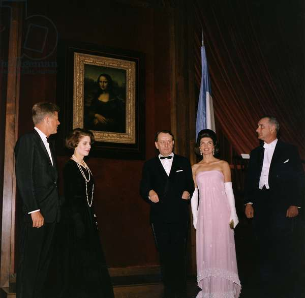 Exhibition of Mona Lisa at National Gallery of Art in Washington January 8, 1963 : American President John F. Kennedy, Mrs Madeleine Malraux, Andre Malraux (French minister of culture), Jackie Kennedy andLyndon Johnson