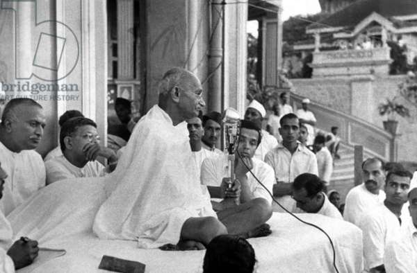 Mahatma Mohandas Karamchand Gandhi (1869-1948) Indian politician and nationalist leader, here during a speech in Bombay in 1946