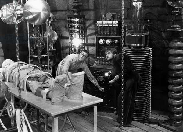 Colin Clive et Dwight Frye dans Frankenstein de JamesWhale 1931