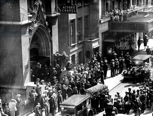 Obseques de Rudolph Valentino a New York le 23 aout 1926