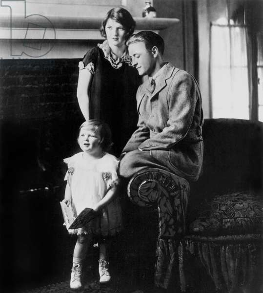 The writer Francis Scott Fitzgerald with his wife, Zelda and daughter, Scottie, 1927 (b/w photo)