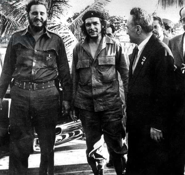 Ernesto Che Guevara with Fidel Castro and Anastase Mikoyan ( russian ambassador then President of the soviet suprem) in Cuba in 1961