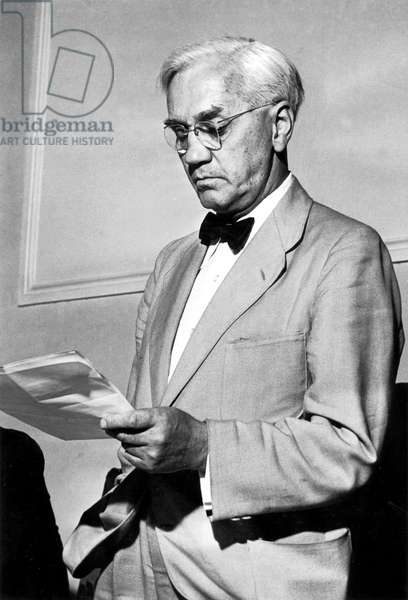 Alexander Fleming (1881-1955) English bacteriologist who discovered in1928 penicillin (antibiotics), Nobel prize in1945, here in March 1955