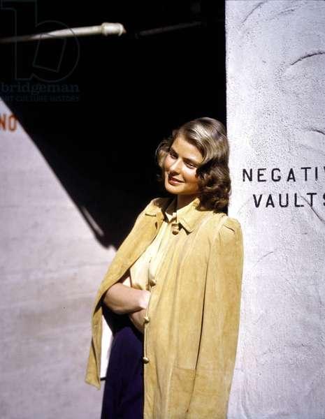 Actress Ingrid Bergman (1915-1982) a jacket on the shoulders, 40's