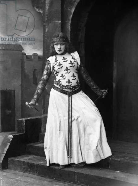 Sarah Bernhardt (1844-1923) as Lady Macbeth, 1884, photo by Nadar