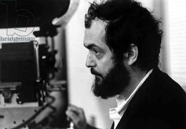 Stanley Kubrick sur le plateau du film Orange Mecanique 1972 - Stanley Kubrick on the set of CLOCKWORK ORANGE, 1972
