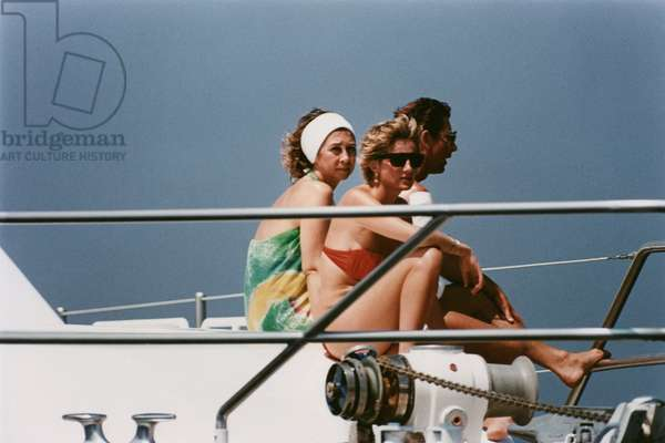 Princess of Wales Diana (Diana Spencer, Lady Di) on holiday in Spain with Prince Charles and Queen Sophie of Spain. \rLe 13 August 1990