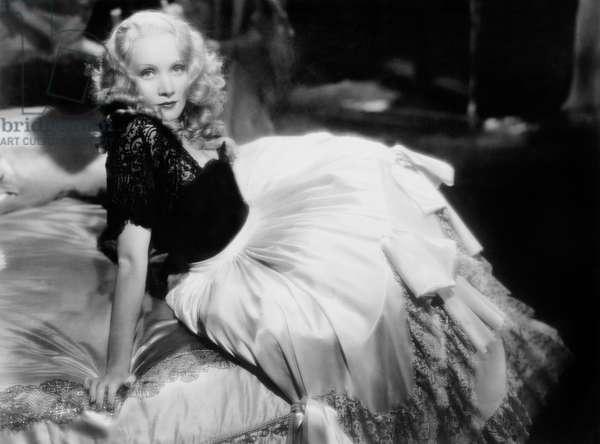 L' imperatrice rouge SCARLET EMPRESS de JosefvonSternberg avec Marlene Dietrich 1934