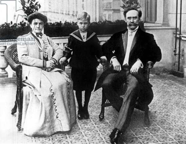 Robert Edwin Peary (r, 1856-1920) with his wife Josephine and their son Robert Peary Jr c. 1910