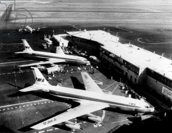 TWA Boeing 707 runway in airport in United States in 1959