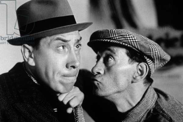 Fernandel et Raymond Aimos dans le film Raphael le Tatoue de ChristianJaque 1938