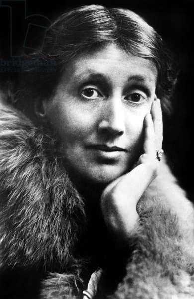 Virginia Woolf (1882-1941) English novelist