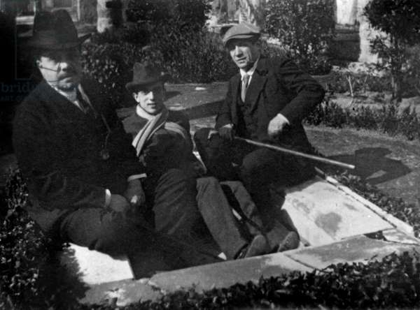 Diaghilev, Massine and Picasso, c.1916 (b/w photo)