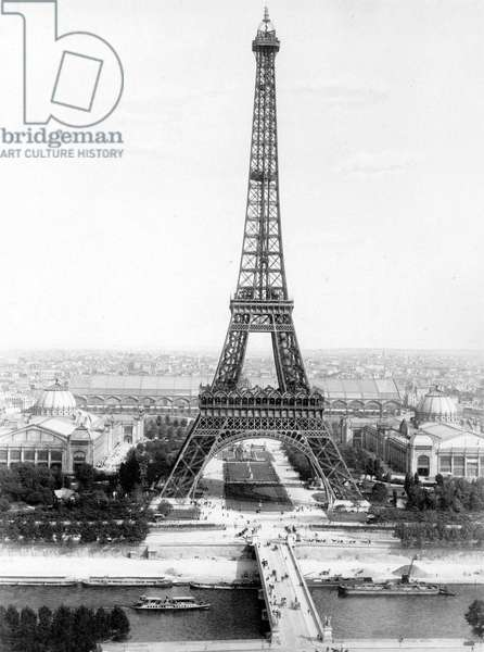 end of the building of the Eiffel Tower in Paris March 31, 1889 for World Fair in Paris 1889 , here photographed at the time of the 1900 World Fair