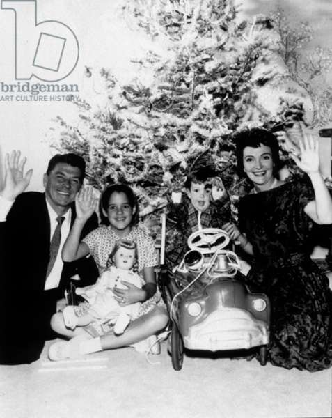 Ronald Reagan, Patti Davis (daughter of Ronald and Nancy), Ronald Reagan junior (son of Ronald and Nancy), Nancy Davis Reagan on December 24, 1961