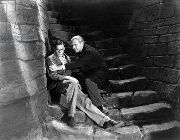 Colin Clive et John Boles dans le film Frankenstein de JamesWhale 1931