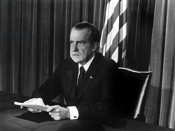 August 8, 1974 : resignation of the American President Richard Nixon after Watergate affair