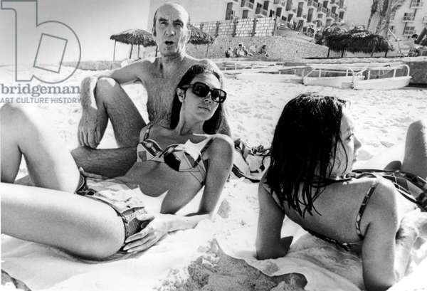 Emilio Pucci and Two Models in Bahamas January 8, 1968  (b/w photo)