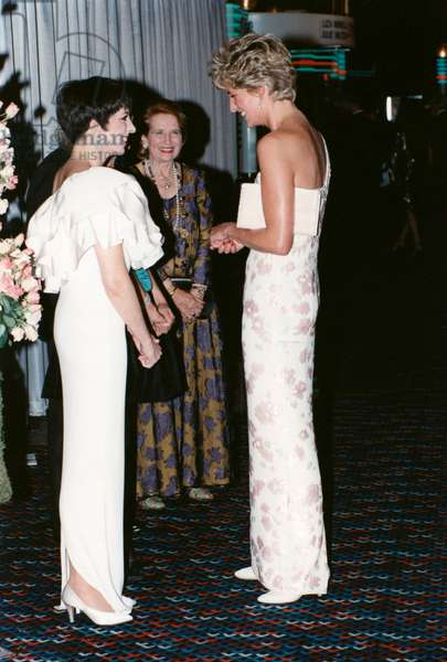 Liza Minnelli And Princess Of Wales Diana (Diana Spencer, Lady Di) In The Premiere Of Lewisgilbert's Stepping Out Film. September 19, 1991 Ety Au (photo)