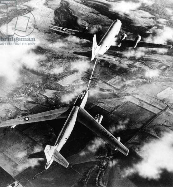 Boeing B47 Stratojet , Medium Range Bomber Used in 1947-1956 By Sac Startegic Air Command, here during In-Flight Refuelling February 5, 1952 (b/w photo)