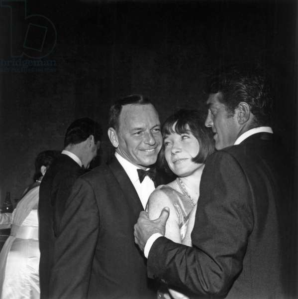 Frank Sinatra, Shirley Mac Laine and Dean Martin during Fian'S Dinner at Beverly Hilton Hotel September 1St, 1966 (b/w photo)