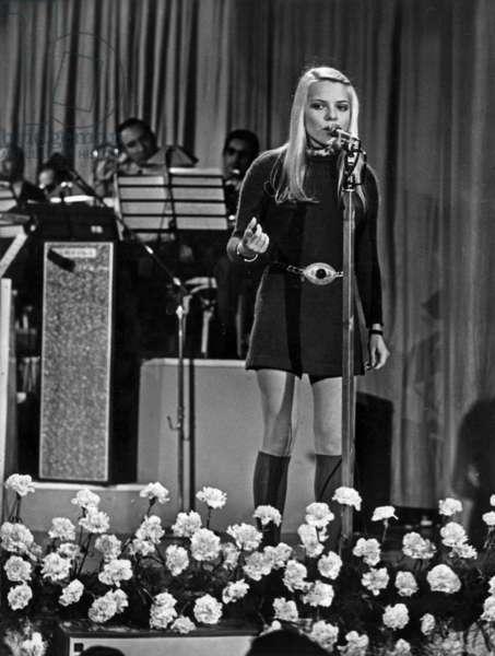 "A San Remo On The Scene Of The Casino France Gall Sings At The Festival La Song ""La Pioggia"" February 1, 1969 (b/w photo)"
