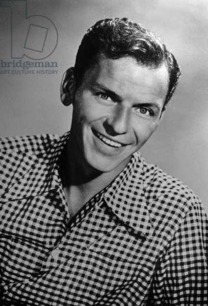 Franck Sinatra (1915-1998) in 1945 (b/w photo)
