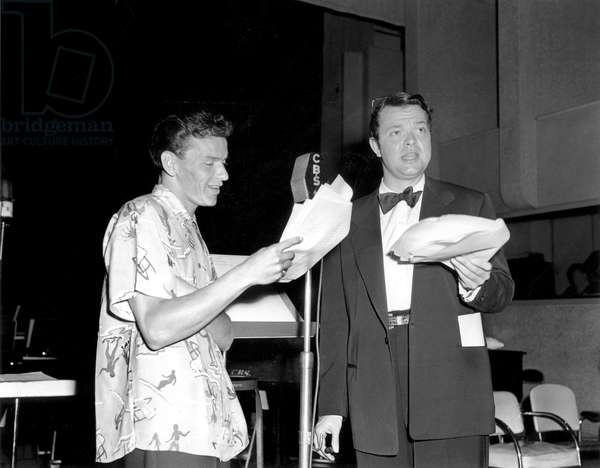 "Frank Sinatra and Orson Welles Recording "" Broadway Bandbox "" August 16, 1943 (b/w photo)"