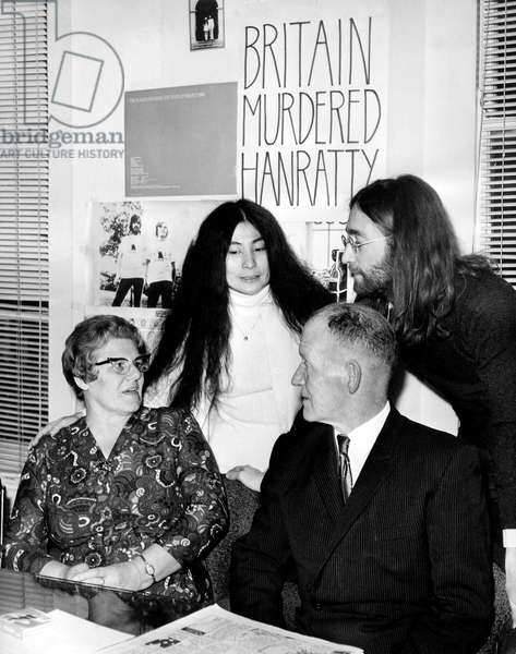 Yoko Ono and John Lennon Want To Direct A Documentary About Hanratty Affair (b/w photo)