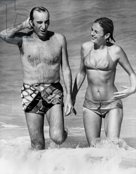 Emilio Pucci With Rosnay Baroness in Bahamas on January 8, 1968 (b/w photo)