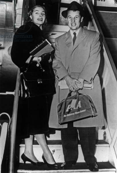 Alfred Gwynne Vanderbilt Ii and his Wife Jean Harvey April 20, 1957 (Panam Plane) (b/w photo)
