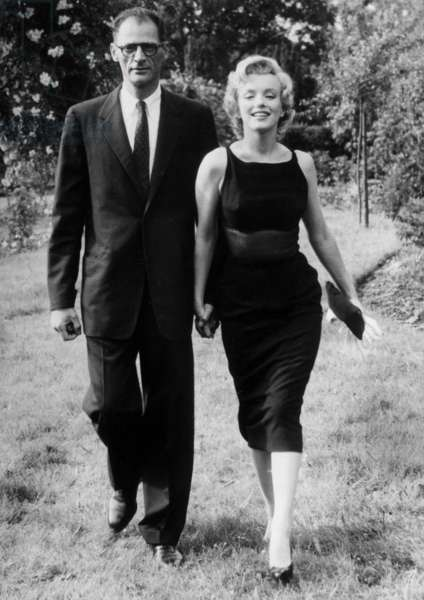 French Actress Marilyn Monroe With her Husband Arthur Miller C. 1956 (b/w photo)