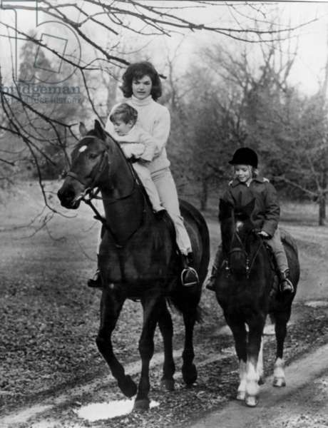 Jacqueline Kennedy and her Children John Fitzgerald Kennedy Jr Et Caroline during A Ride, in Glen Ora, Virginia, November 19, 1962 (b/w photo)