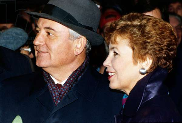 Mikhail Gorbatchev, President of Ussr, and his Wife Raissa here in 1989 in Scandinavia (photo)