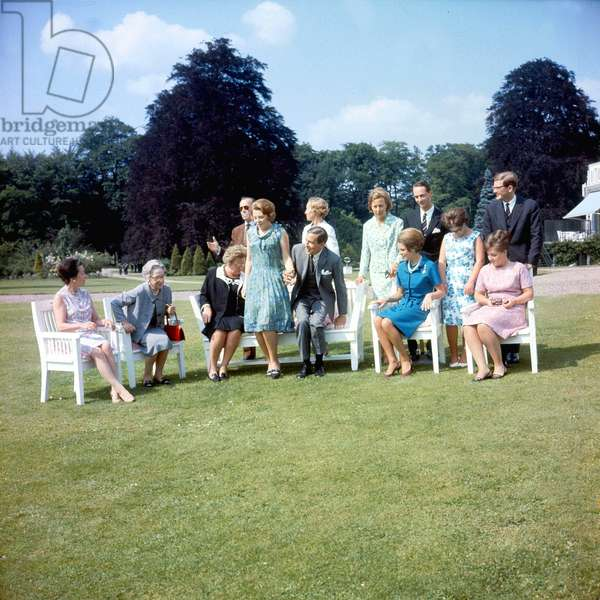 Princess Beatrice of Holland with prince Klaus june 28, 1965 after announcing their engagement : seated: queen Juliana princess Beatrix, Claus Von Amsberg, princess Irene, princess Margriet standing: Prince Bernhardt, Klaus' sisters, Prince Charles Hugues of bourbon, Princess Christina, Pietr Van Vollenhoven (photo)