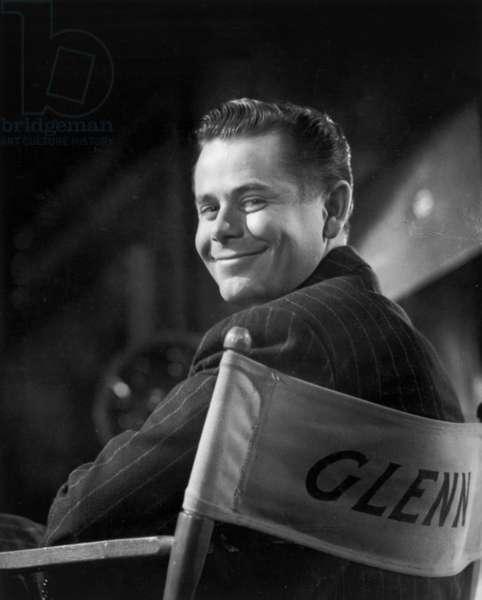 Actor Glenn Ford (1916-2006) C. 1946 (b/w photo)