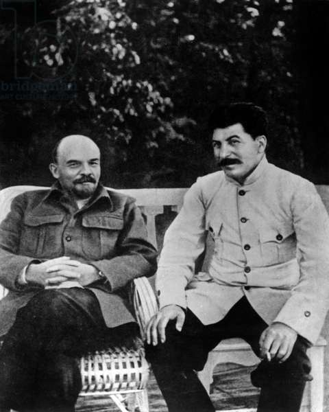 Lenin (Vladimir Illitch Oulianov 1870-1924), Soviet Communist Leader, here With Joseph Stalin (1879-1953) in 1922 in Gorki (b/w photo)