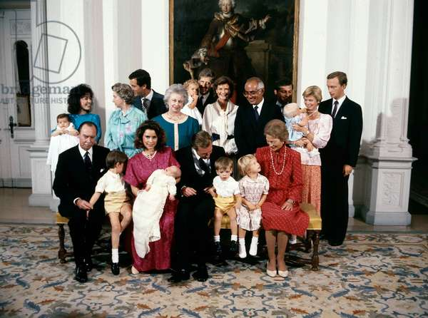 Christening of prince Louis of Luxembourg on september 14, 1986 : 1st row : Grand Duke Jean of Luxembourg,  prince Guillaume,  Maria Teresa Mestre y Batista with prince Louis, prince Henri (future Grand Duke), prince Felix, ?, Grand Duchess Josephine-Charlotte of Luxembourg (photo)